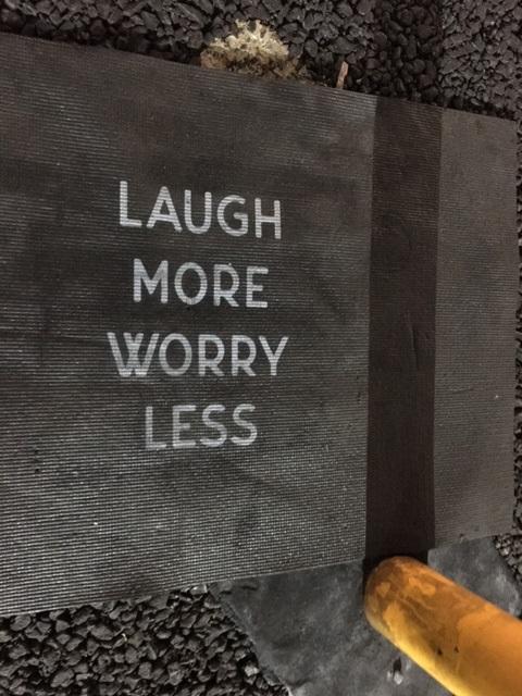 落とし物。Laugh More Worry Less