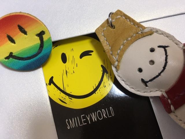 スマイル、スマイル、スマイル。 Smiley world