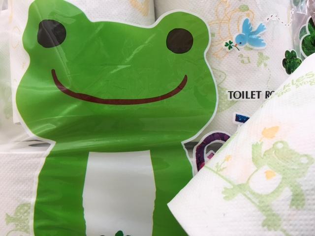 かえるのピクルスのトイレットペーパー。 Toilet roll_Pickles